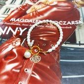 """Odkąd ten model """"wyszedł"""" z naszej pracowni jesteśmy nim zachwyceni 🥰🥰 Wam też tak się podoba ? 🥰😍 Dostępny w SHOWROOMIE oraz od listopada w punkcie Manilla by Anter w M1 Kraków 🥰🥰 #manillastorePl #manillabyanter #jewelry #accessory #accessories #necklace #bead #plant #leaf #green #ornament #crystal #beadnecklace #stones #love #stone #gemstone #beautiful #crystals #gems #instapic #fashionista #gem #stylish  #trendy #fashion #jewelrygram #instajewelry #style #ootd"""